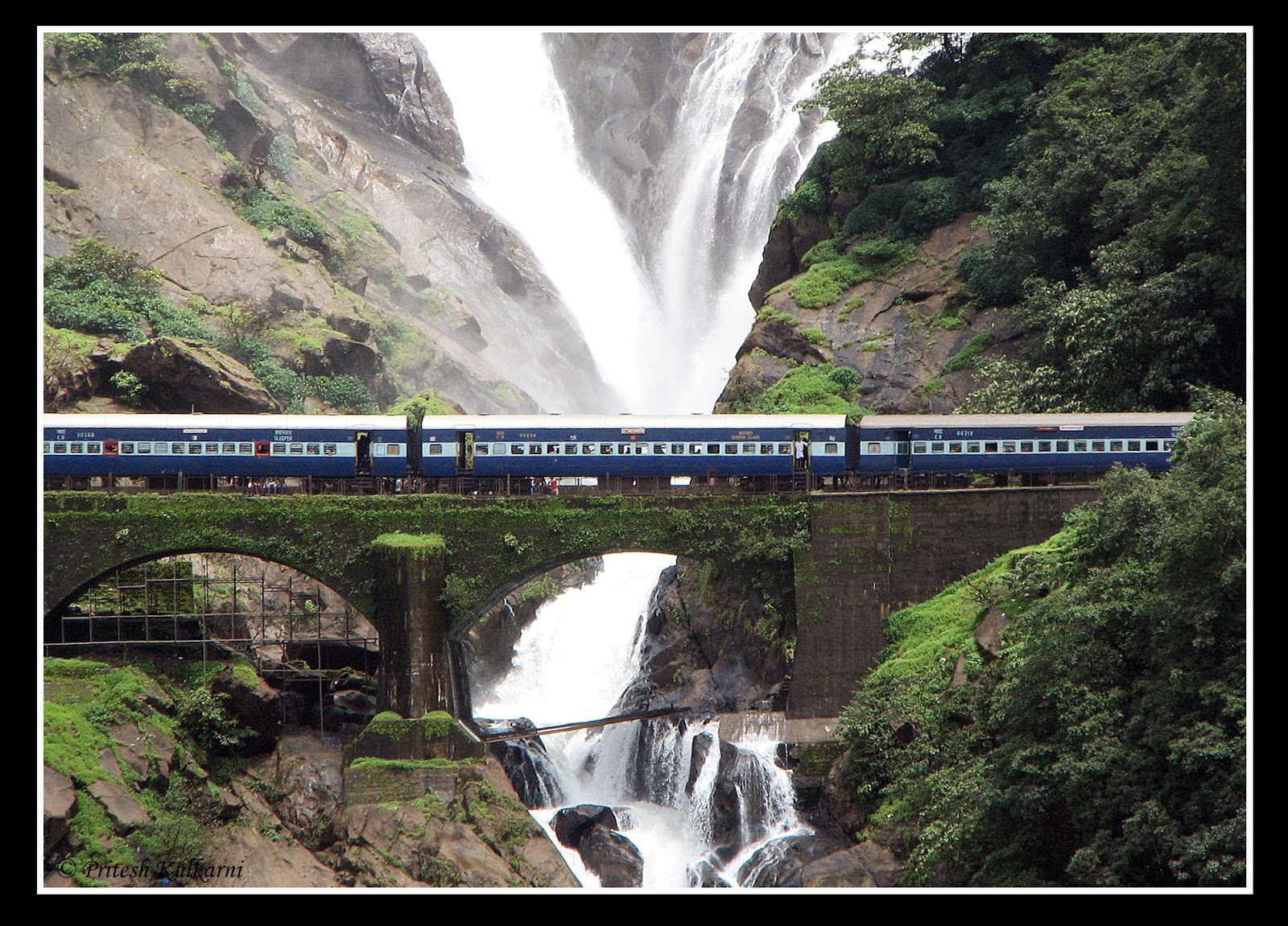 Goa Train Waterfall Dudhsagar Waterfall With Train