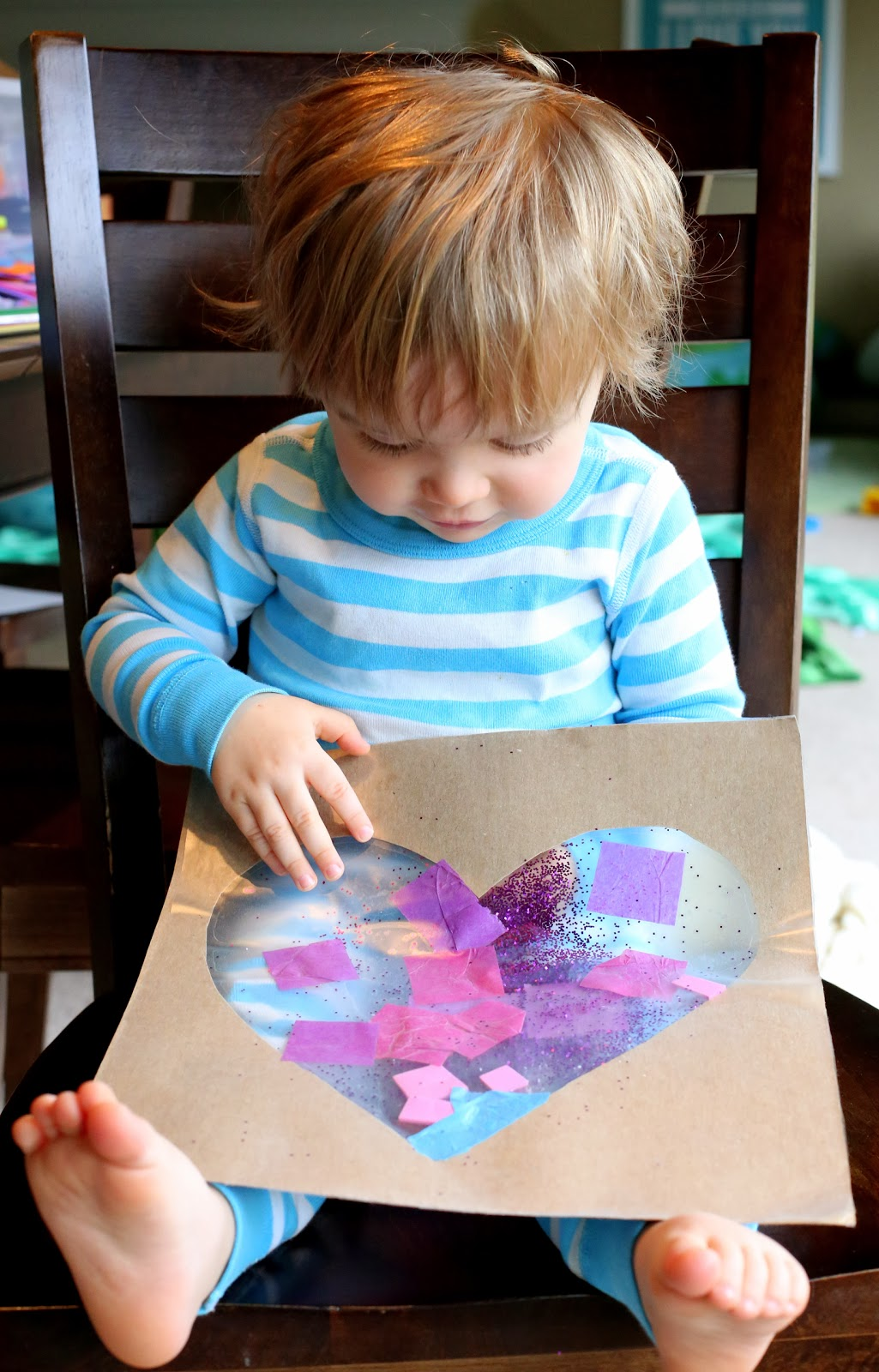 Easy baby toddler valentine 39 s day art for Valentines day toddler crafts