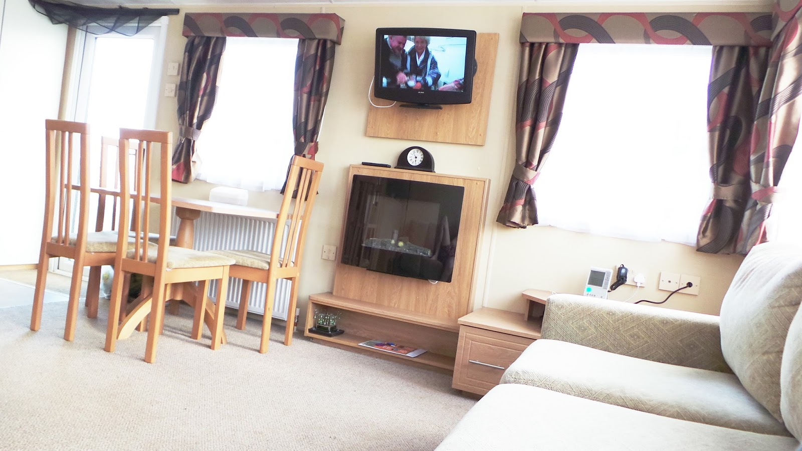 Review / Blog Billing Aquadrome Holiday Park, Northamptonshire Gold Caravan