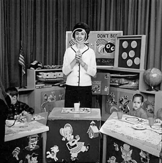 Calvin\'s Canadian Cave of Coolness: Miss Fran Of Romper Room Will ...