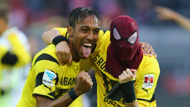 Aubameyang Crowned With Glo CAF African Player Of The Year 2015 Award
