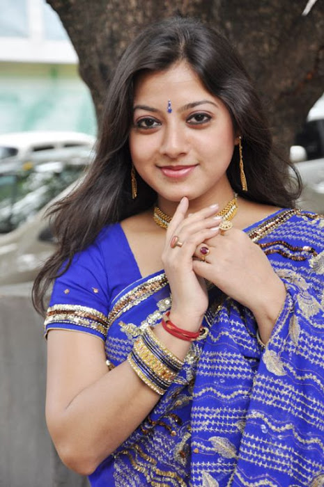 keerthi chawla spicy in blue saree actress pics