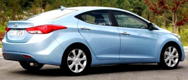 Hyundai Elantra 2011 Car 4