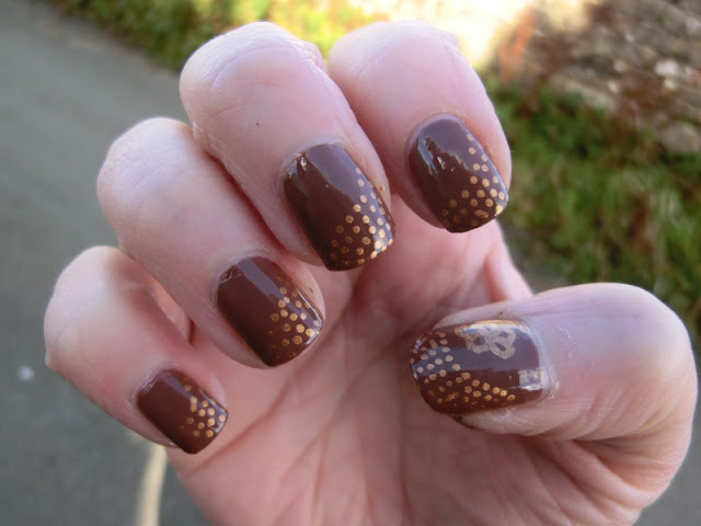 nails inc ganton street with gold nailart