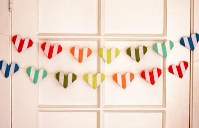 Origami valentine heart garland