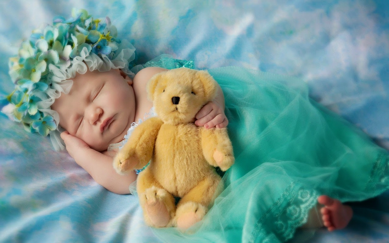 Sleeping Baby With Teddy Bear Wallpapers Hd