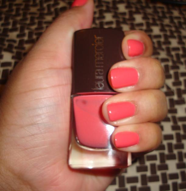 Laura Lacquer Nail Polish: Nydia Loves Ads And Stuff: Laura Mercier Nail Lacquer In