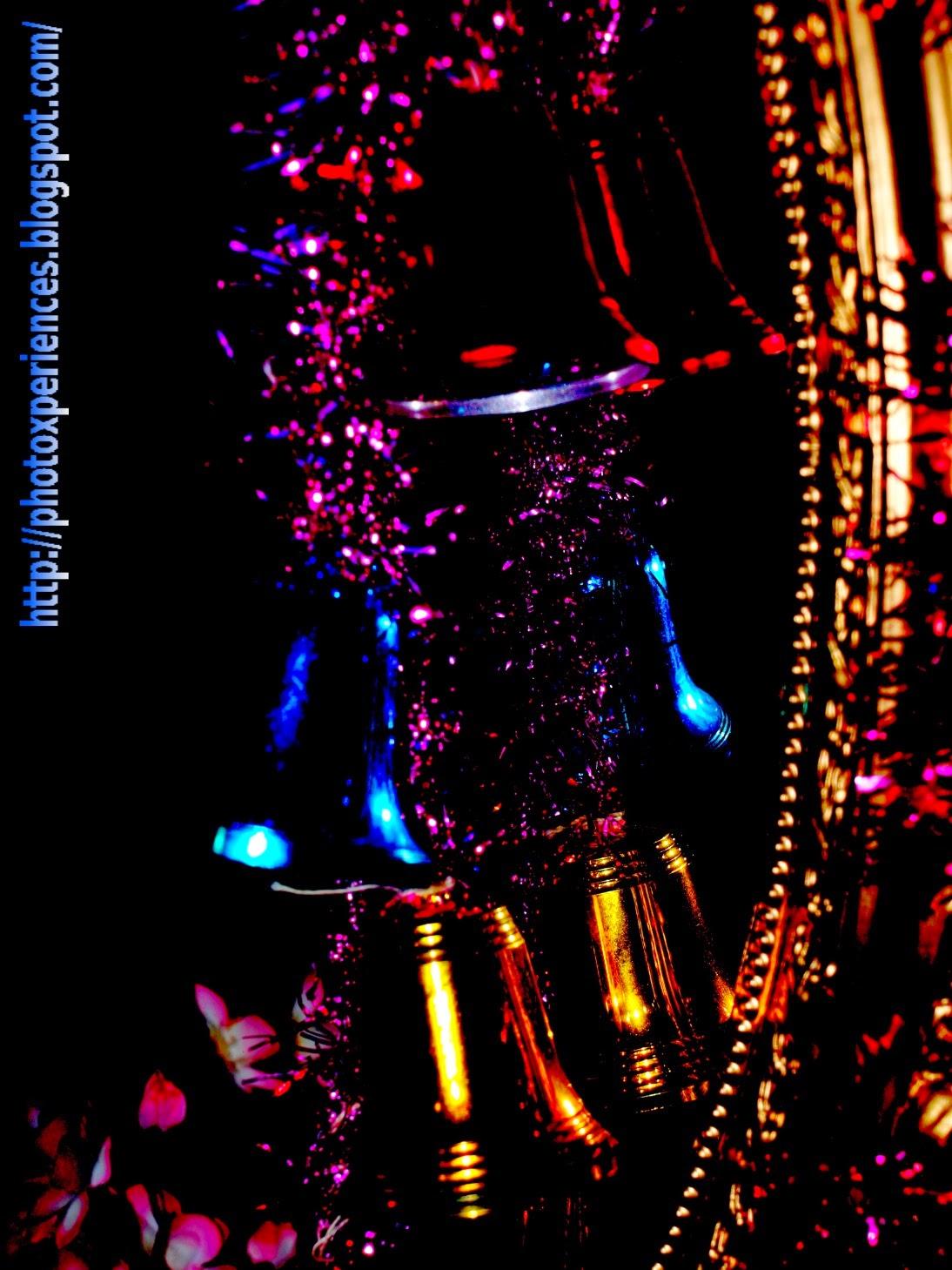 Christmas bells detail - Detalle navideño con campanas