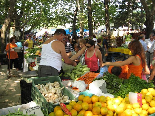Ο δήμος Έδεσσας κυνηγά και τους πωλητές στο παζάρι
