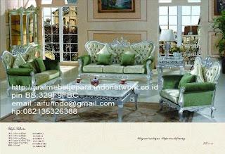 sofa klasik jepara jual mebel jepara Mebel furniture klasik jepara jual set sofa tamu ukir sofa tamu jati sofa tamu antik sofa jepara sofa tamu duco jepara furniture jati klasik jepara SFTM-33052 sofa klasik Queen classic