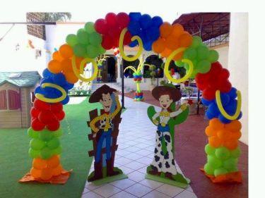 Decoraci n de fiestas infantiles con globos - Adornos con globos para fiestas ...