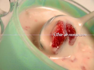 Receita de iogurte de morango