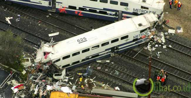 Metrolink Crash – $ 500 Juta