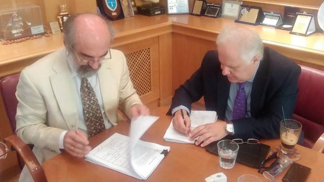 Έπεσαν οι υπογραφές για την κατασκευή εγκαταστάσεων και τη μεταφορά του ΚΤΕΛ Αλεξανδρούπολης