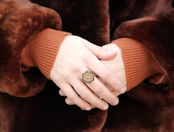 Antique Brass Ring Detail #antique #jewelry #vintage #fashion