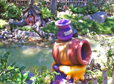 Winnie Pooh Disneyland honey posts hunny Critter Country creek