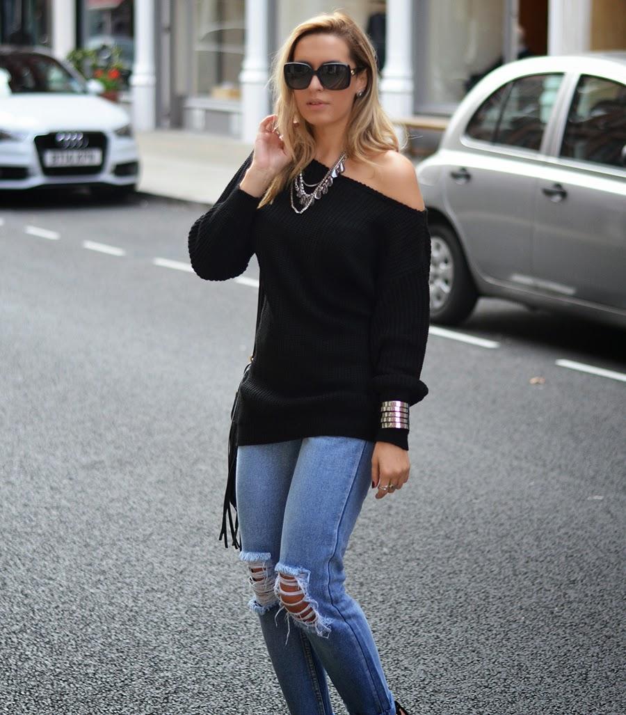 black sweater with boyfriend jeans