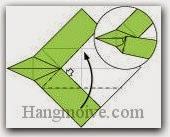 Bước 9: Mở lớp giấy trên cùng ra, kéo và gấp lớp giấy lên phía trên.