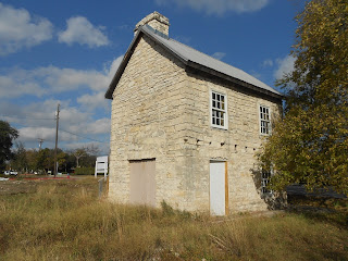 chisholm trail stone structure