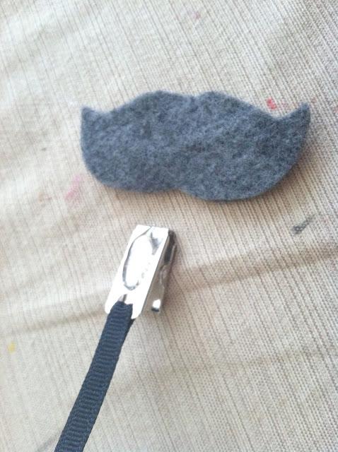 Two Ten Designs: Mustache & Lip Pacifier Clip Tutorial