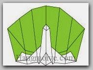 Bước 15: Vẽ mắt, hoa văn cho lông để hoàn thành cách xếp con công bằng giấy theo phong cách origami.