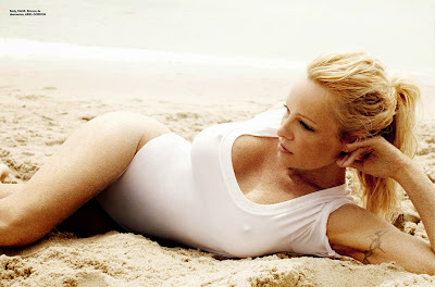 Babe Of The Day - Pam Anderson