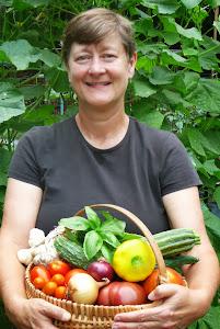 Maria Hitt, A Garden Girl