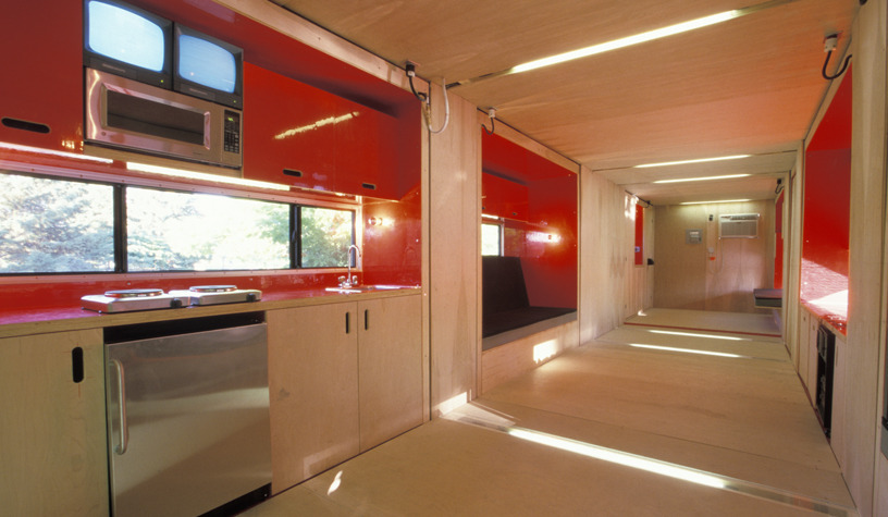 04-LOT-EK-Architectural-Shipping-Container-Mobile-Dwelling-Unit-www-designstack-co
