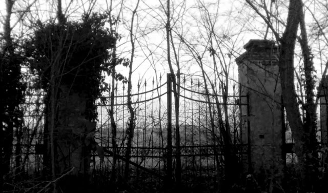 5 Terrifying Legends and Haunted Houses In Italy