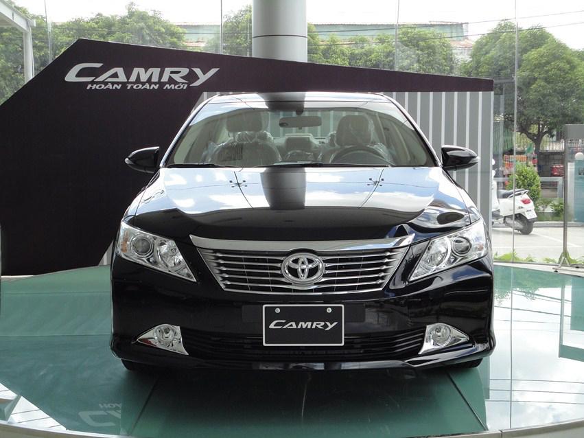 Bảng giá xe Toyota Camry 2015 cập nhật mới nhất