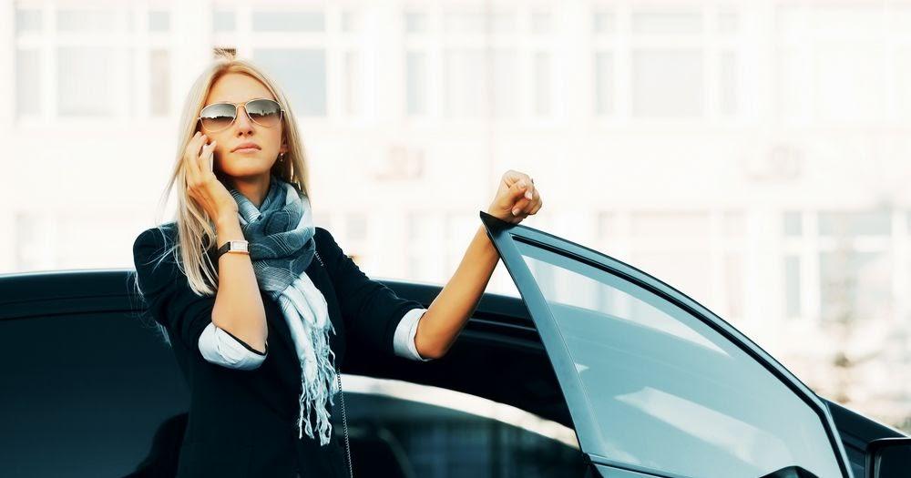 Образ современной бизнес-леди без автомобиля невозможен