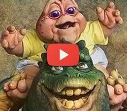 Conheça a história e relembre a abertura do programa 'A Família Dinossauro' .