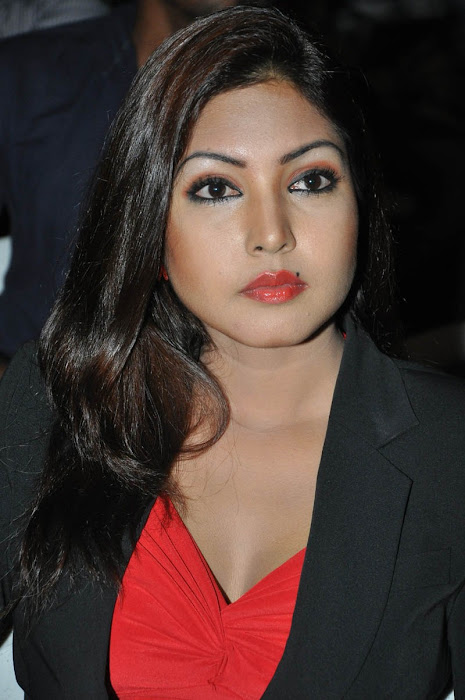 komal jha photo gallery