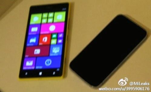 A confronto la grandezza di un Lumia 1520 Mini e di quella classica di un iPhone