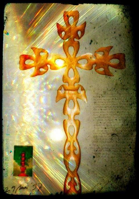 Crucea de lumină II (procesare imagine:Raluca-Crina Florescu)