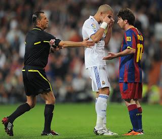 Los árbitros castigan igual a Messi que a Pepe