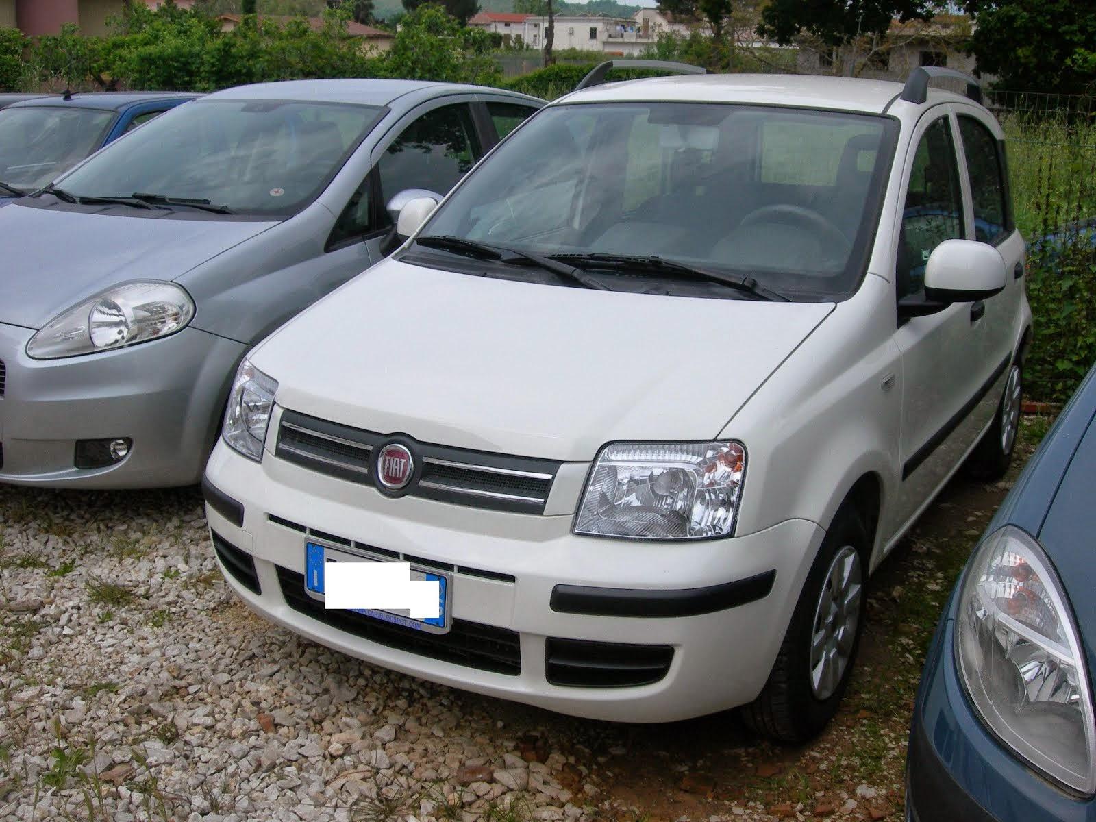 Fiat Panda 1.2 classic anno 2011 30.000 km con clima - 6.400,00 Euro su richiesta Montiamo IMp. GPL