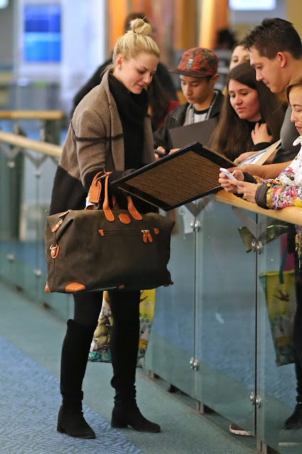 Actress, Model, @ Jennifer Morrison - Vancouver Airport