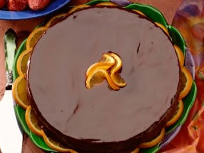 Bolo de chocolate com laranja de liquidificador