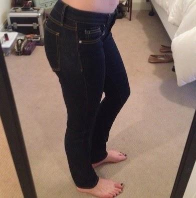 Dark Wash Jeans untuk paha besar