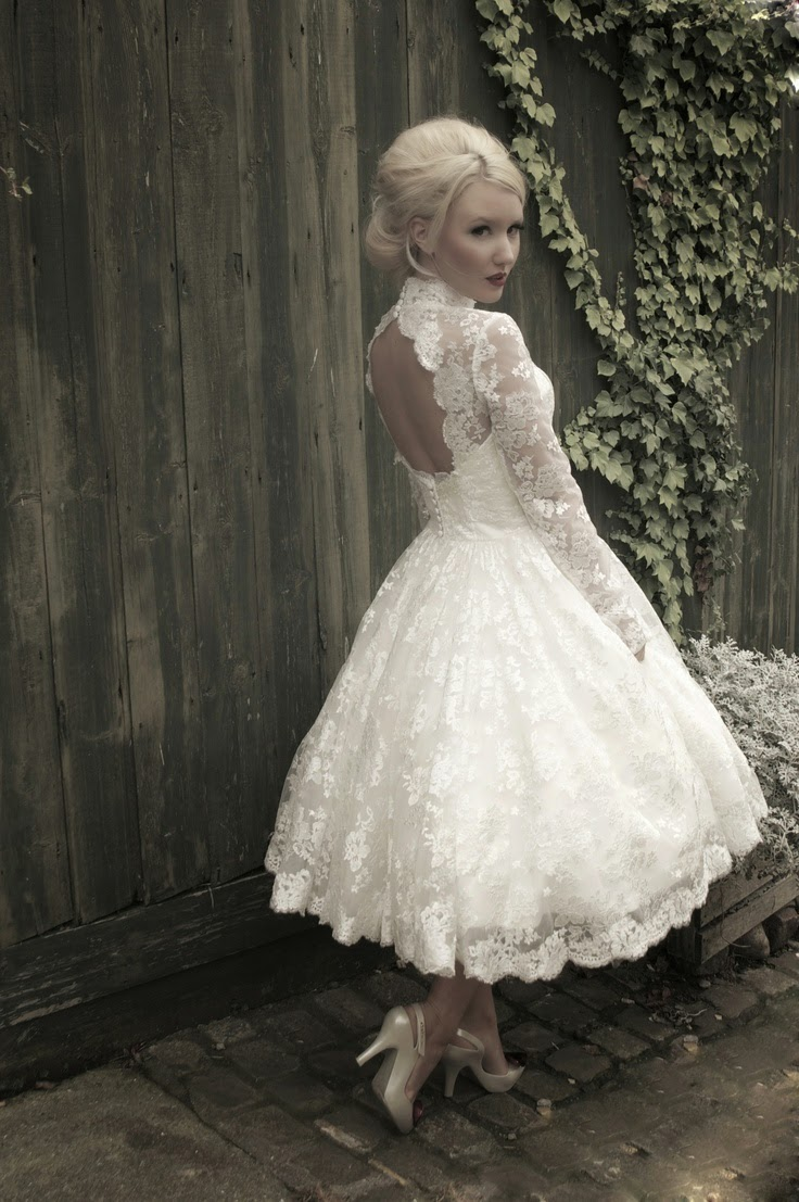 Beautiful bridal tea length retro wedding dresses for Retro tea length wedding dress