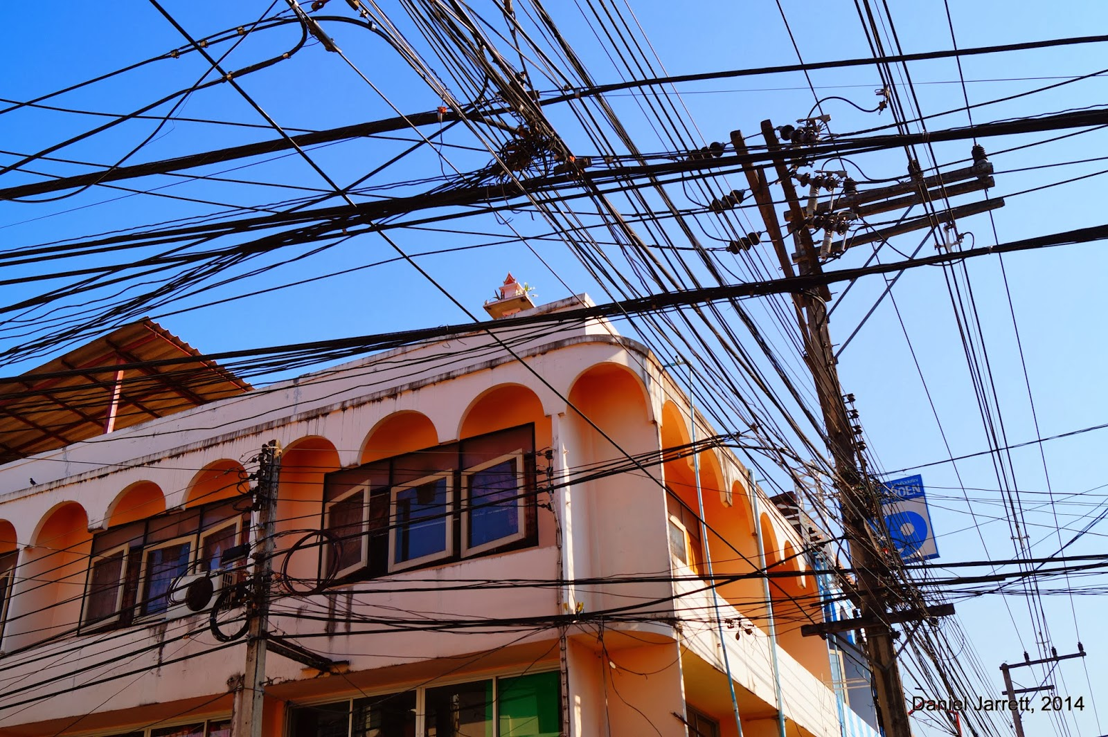 Mae Hong Son Wires