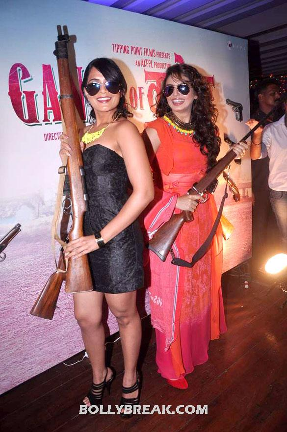 Richa Chadda, Huma Qureshi - Reema Sen and Richa Chadda @Success bash of 'Gangs of Wasseypur'