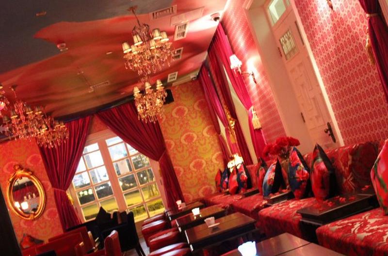 as-tu-vu│愛現: Shanghai Rose Bar & Café by Mika Ninagawa ...
