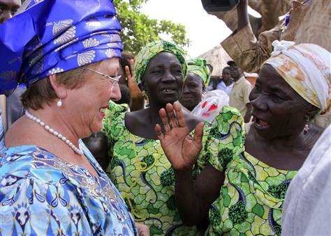Bachelete speaking to a women's congerence in Nigeria