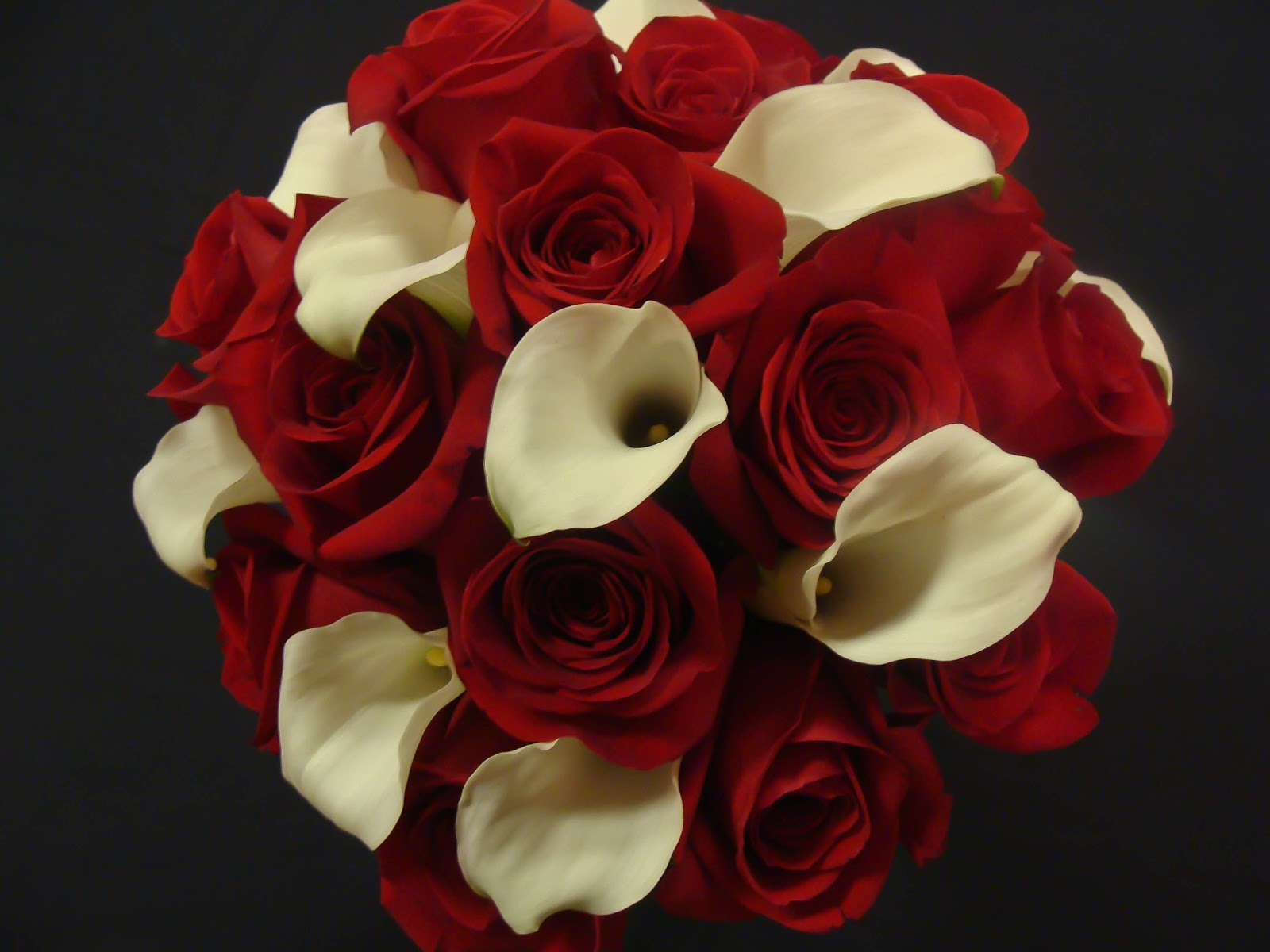 White And Red Roses Bouquet florissimo: red roses ...