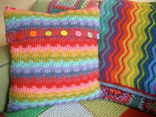 free crochet pattern rainbow raindrops pillow