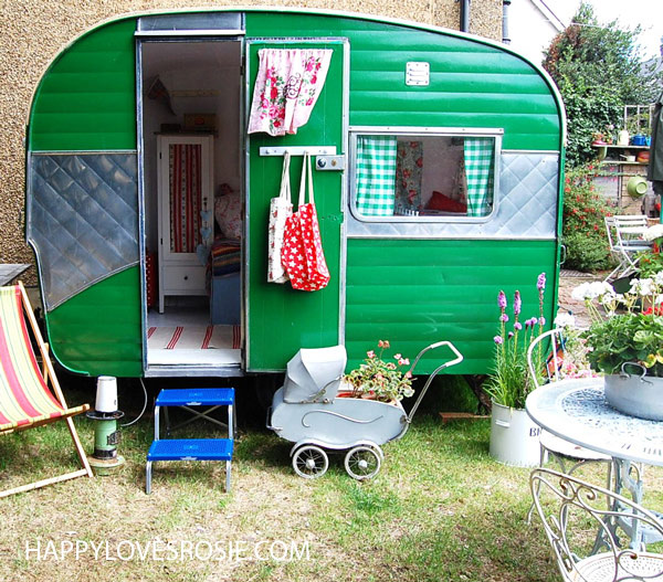 say goodbye to my lovely vintage caravan