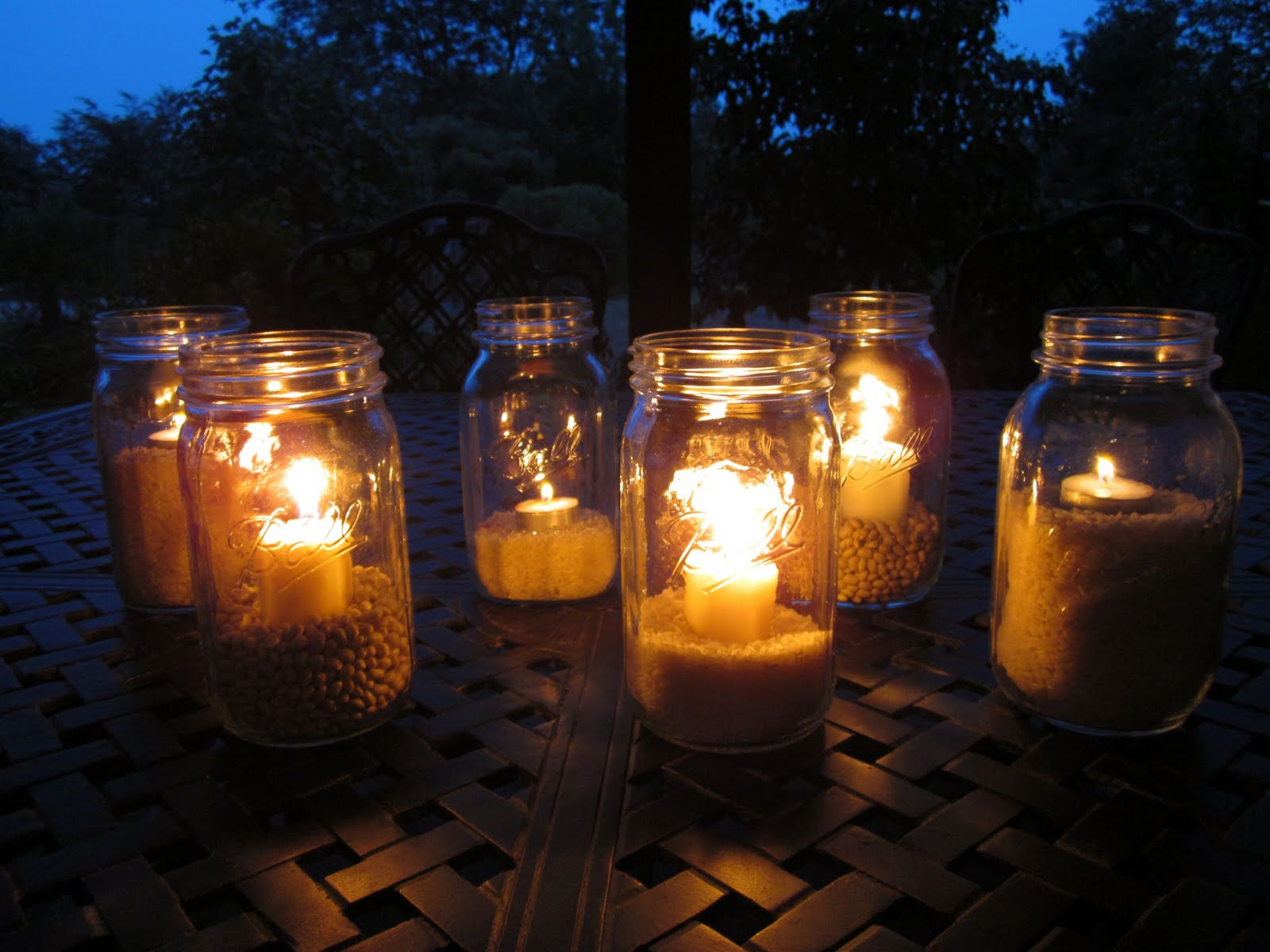 Awesome Outdoor Mason Jar Lights