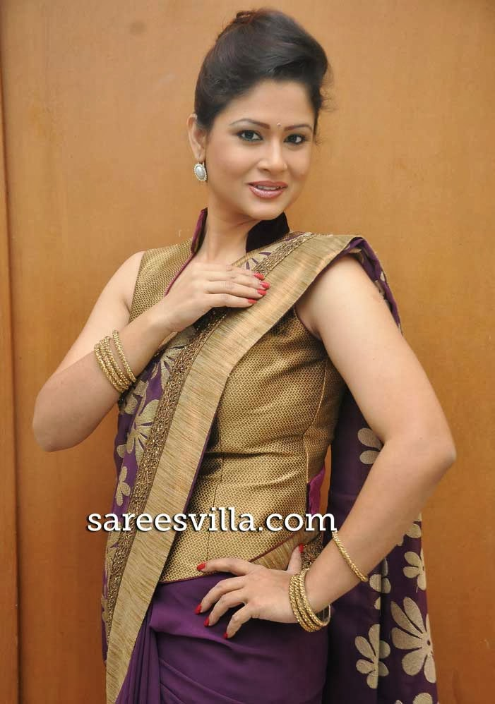 Shilpa Chakravarthy In Full Blouse